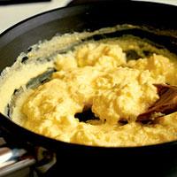 Cuisson des oeufs m thode pour cuire un oeuf cuisson - Oeufs brouilles bain marie ...